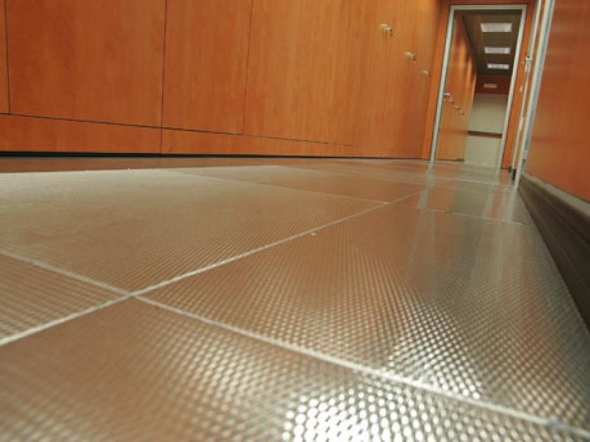 Pavimenti sopraelevati mainox floor mainardi sistemi milano for Scatolati in acciaio inox
